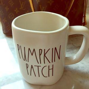 """NWT Rae Dunn """"PUMPKIN PATCH"""" Mug!"""